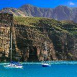Kanaren Ankerbucht vor Steilküste