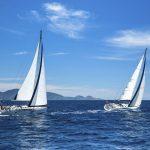 Kykladen Yachten in voller Fahrt