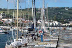 Azoren-Horta Pflastermalerei im Hafen