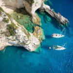 Ionische Inseln Ankern am Kalkfelsen