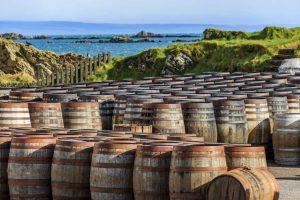 Schottland Whiskyfässer